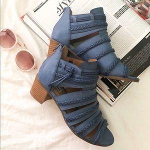 NWOT Faux Leather blue heel